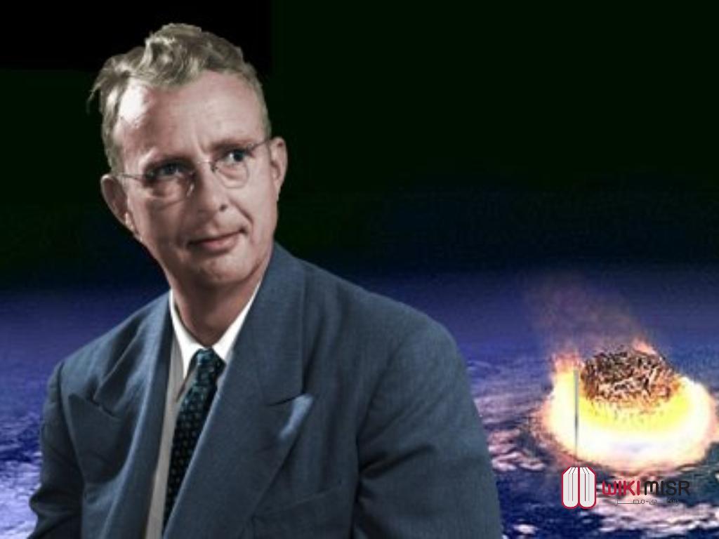 لويس ألفاريز عالم الفيزياء الذي اكتشف الغرف السرية لأهرامات الجيزة