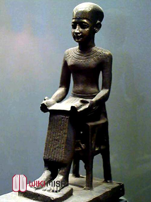 المهندس المصري إيمحتوب الذي تحول إلى إله وفق معتقدات المصريين القدماء
