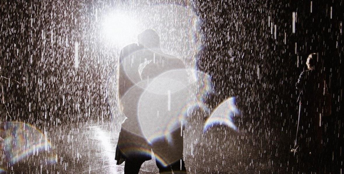 صور رومانسيه تحت المطر