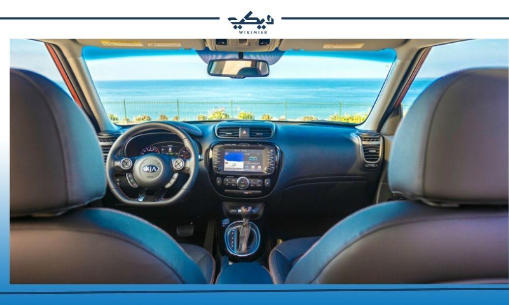 المقصورة الداخلية في سيارة كيا سول