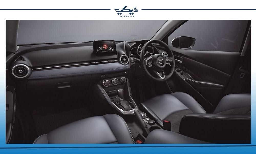 المقصورة الداخلية لـ سيارة مازدا 2 الهاتشباك