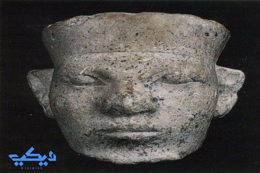 رأس تمثال منسوب للملك نارمر، متحف بترى.