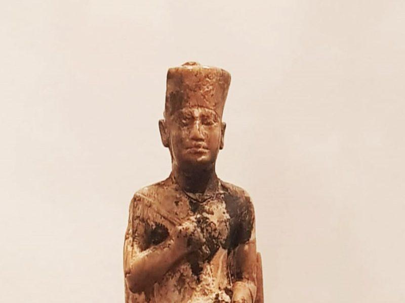 لغز تمثال الملك خوفو: مشيد أكبر هرم فى مصر له أصغر تمثال؟!