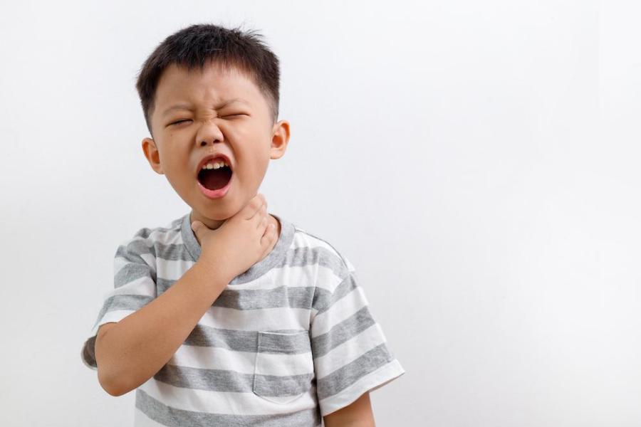 أعراض التهاب الحلق عند الأطفال
