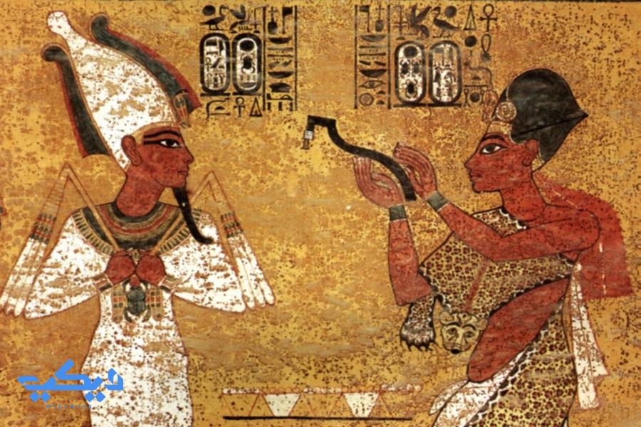 آى من على جدران مقبرة الملك توت عنخ آمون.