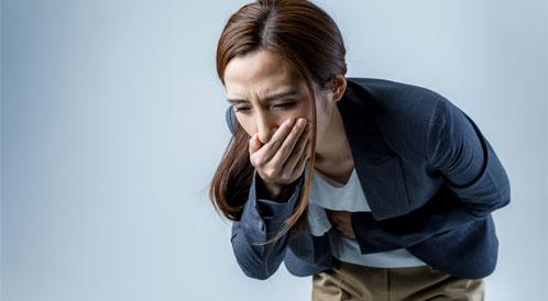 أعراض القيء والغثيان