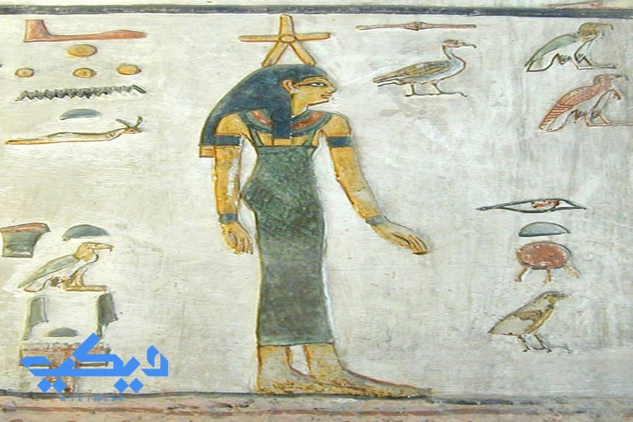 الإلهة سودبت والتى تمثل نجم الشعرى اليمانية.