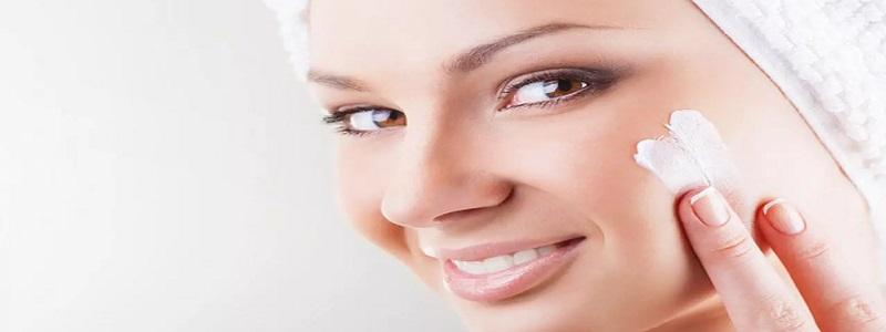 مدة وضع المرطب على الوجه ونصائح لاستخدامه